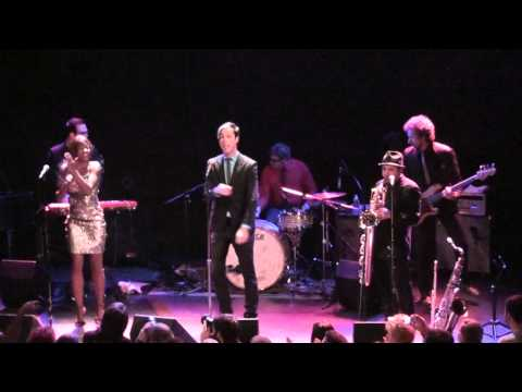 (HD) Breaking the Chains of Love - Fitz and the Tantrums - Bowery Ballroom - New York, NY - 1.19.11