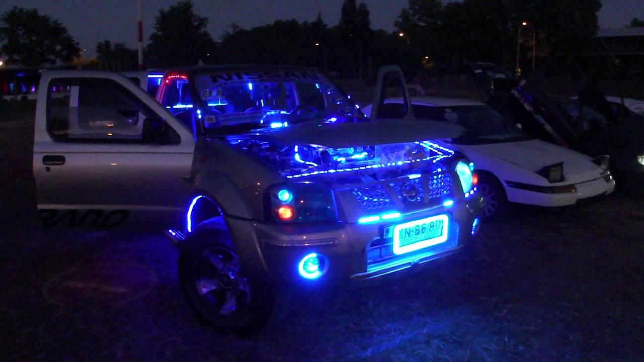 Camioneta con luces de neon acercamiento youtube for Luces led para jardineras