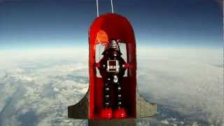 Toy Robot in Space! - HD balloon flight to 95,000ft