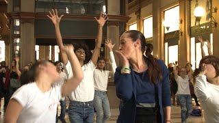 Taverna show per il flash mob contro la violenza sulle donne