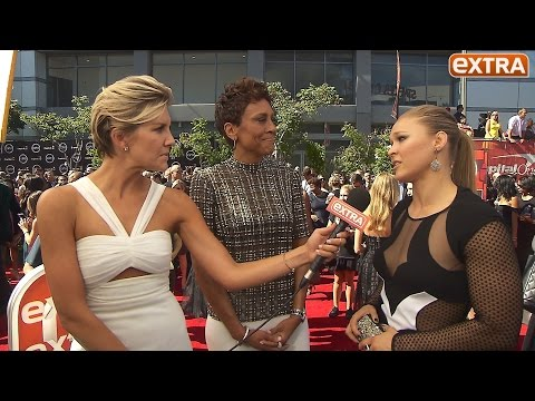 ESPYs 2015! Ronda Rousey and Robin Roberts on Caitlyn Jenner Receiving Arthur Ashe Award