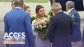 Simona Halep, primire regală la aeroport! Trofeul de la  Wimbledon a ajuns în România!