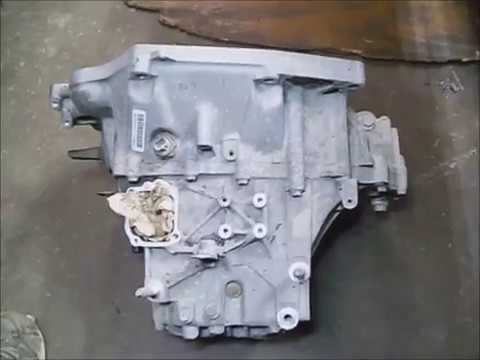 Honda Civic Si `07 6 speed manual transmission remove pt2