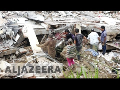 Rescuers search for Colombia landslides survivors