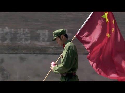 """一部豆瓣不存在的最猛纪录片:四年,是如何改变一个""""爱国""""之人的? --  《少年★小赵》"""