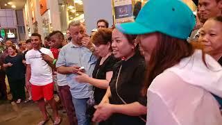 Video Ada Chinese bagi flying kiss 😘 Kat Bob... download MP3, 3GP, MP4, WEBM, AVI, FLV Oktober 2018