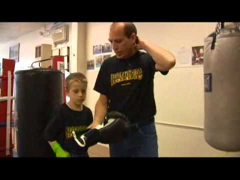 Youth Boxing Gear: Sparring Gloves