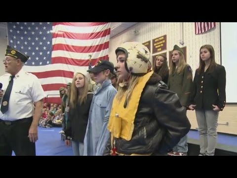 Common Ground 421 - Historical Military Uniforms, Pedal Tractors & Let's Go Fishing