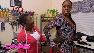 Naomi argues with Sandra about her music video costume: Total Divas, April 13, 2014