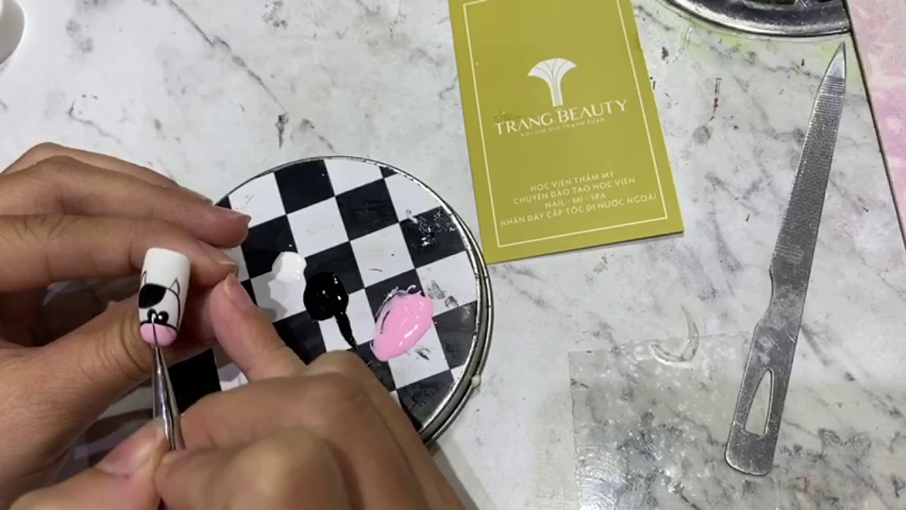 Hướng dẫn cách vẽ nail bò sữa đẹp, đơn giản nhất cùng Trang Beauty Salon