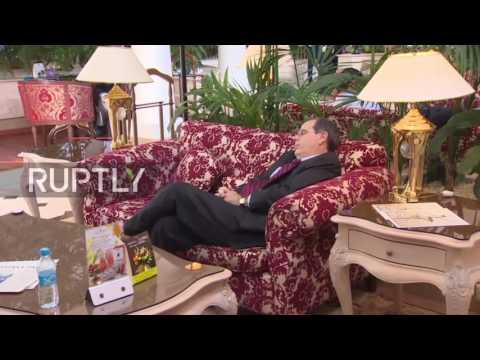 Kazakhstan: Power nap - US diplomat falls asleep between Astana talks sessions