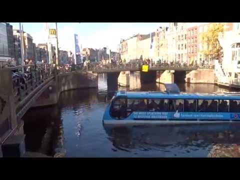Floating Dutchman maakt proefvaart bij het Muntplein