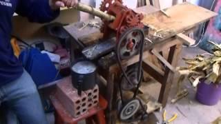 Engenho de cana movido com motor de maquina de lavar roupas.