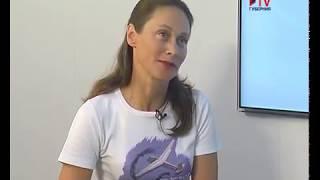 девушка-инструктор рассказывает как бесплатно научиться летать - Губернские новости
