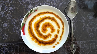 Йогуртный суп с рисом, турецкая кухня. Yayla çorbası.