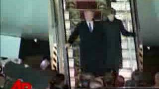 President Bush Arrives in Ukraine
