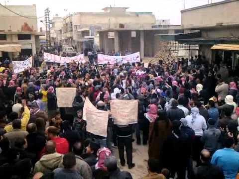 مظاهرة حماه حي كازو جمعة زحف الى ساحات الحرية 30 12 2011 ج4