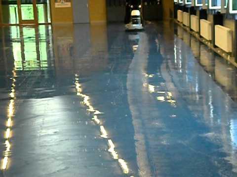 Linoleum Vloer Onderhoud : Diepstrippen linoleum vloer blinkers vloeronderhoud youtube