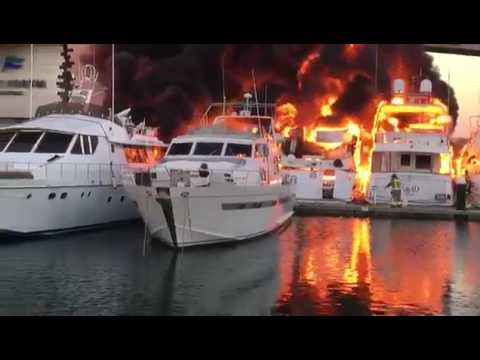 Fire at Port Forum in Barcelona   Four Expensive Yachts Destroyed, Horrible accident
