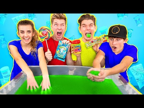 Thumbnail: SOUREST GIANT GELLI BAFF IN THE WORLD CHALLENGE!! Warheads, Toxic Waste (EXTREMELY DANGEROUS)