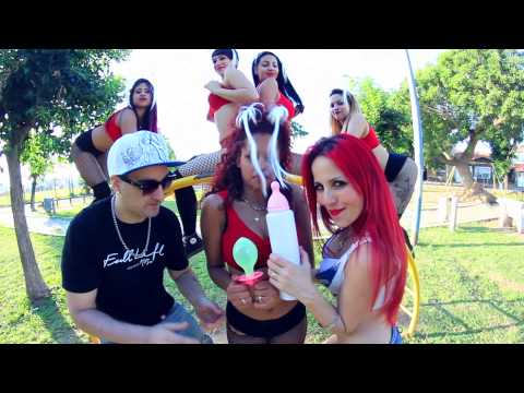 Lore y Roque Me Gusta - La Mema (Video Oficial)