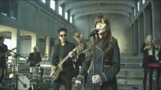 She & Him - Thieves (Live @  Ahead of the Curve SXSW)
