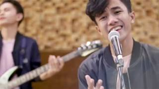 Download Lagu ZERYB BAND - MODAL SETENGAH HATI [OFFICIAL VIDEO]