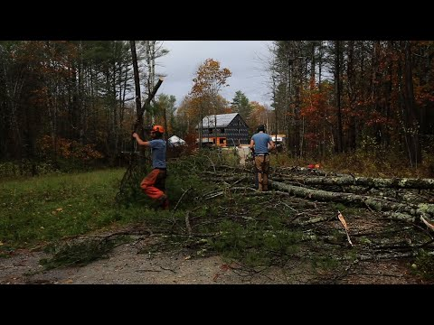Maine Family Rides Out Rough Storm