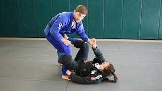 How to Approach Passing De la Riva Guard + Simple Kneeslice Instructional