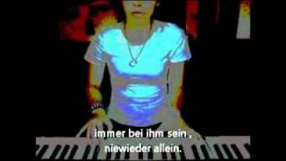 Melis Am Klavier