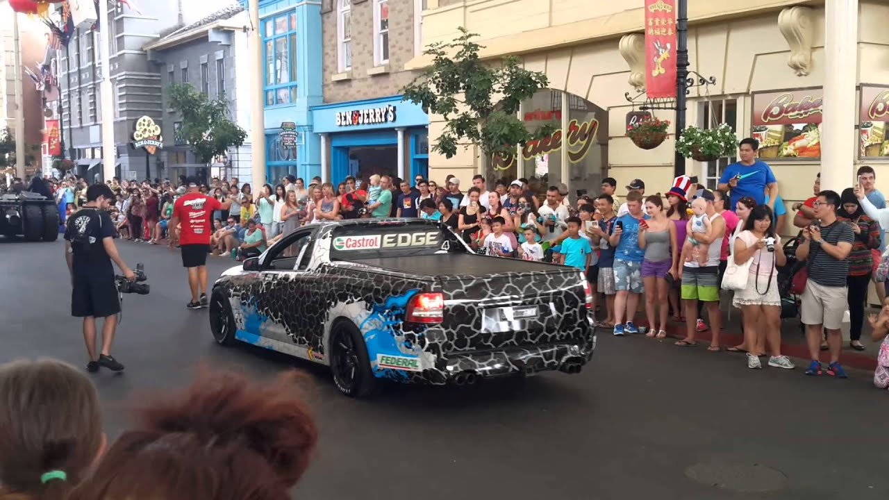 warner bros movie world parade at gold coast youtube