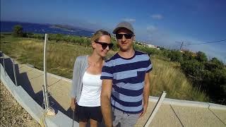 Mit dem Boot aฑ der Küste von Kroatien