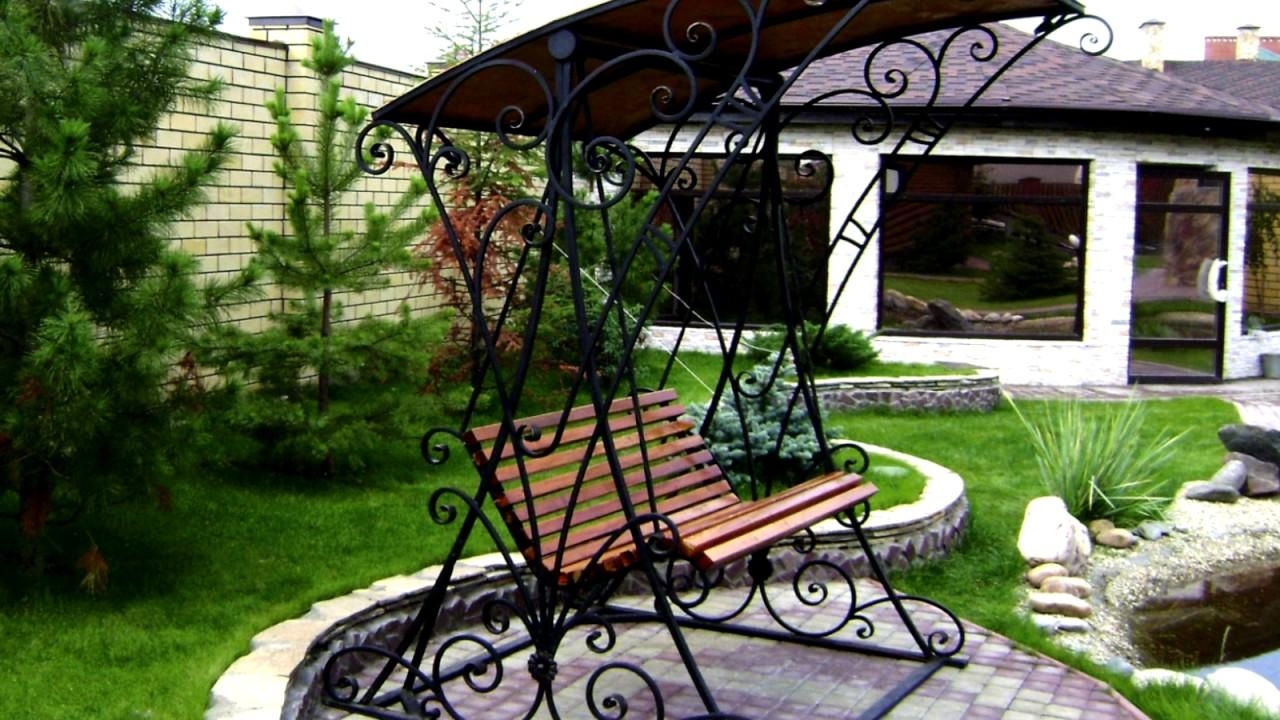 Садовые качели являются отменным устройством для организации яркого и оригинального досуга. Они позволяют создать уголок для отдыха в дачных.