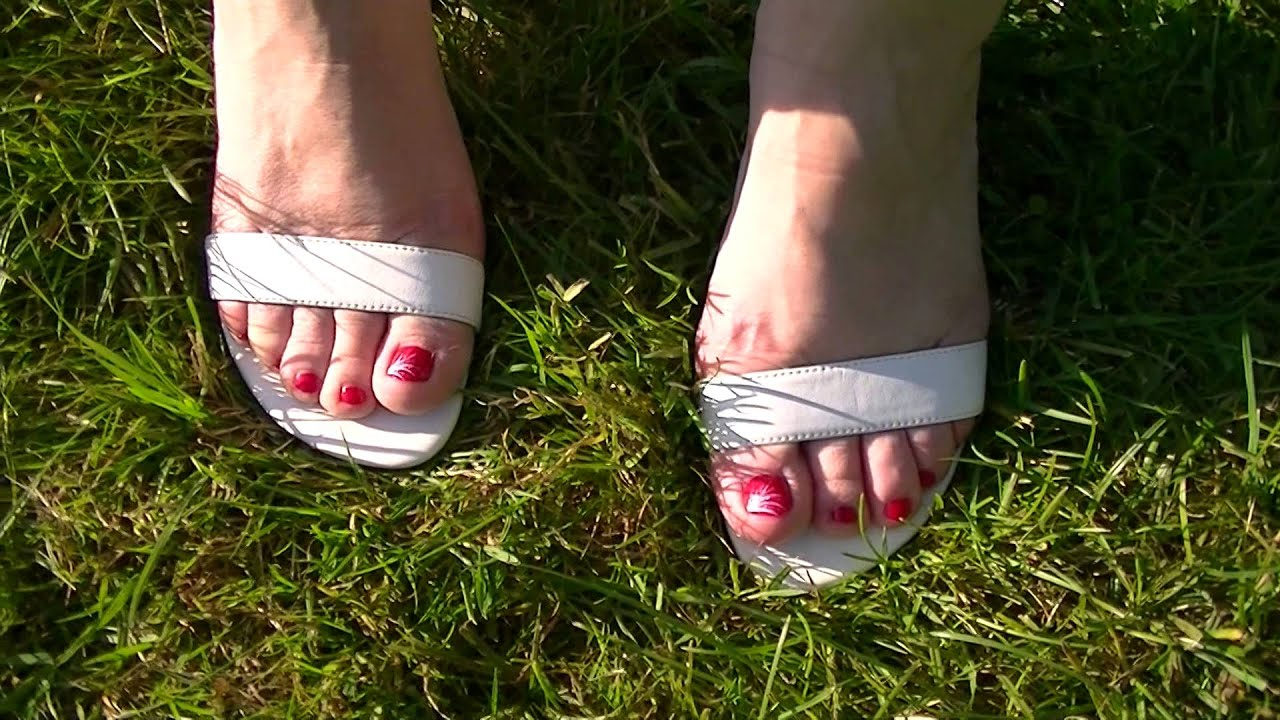 e82122917436 Walking with high heels on grass youtube jpg 1920x1080 Legs high heel  walking on grass
