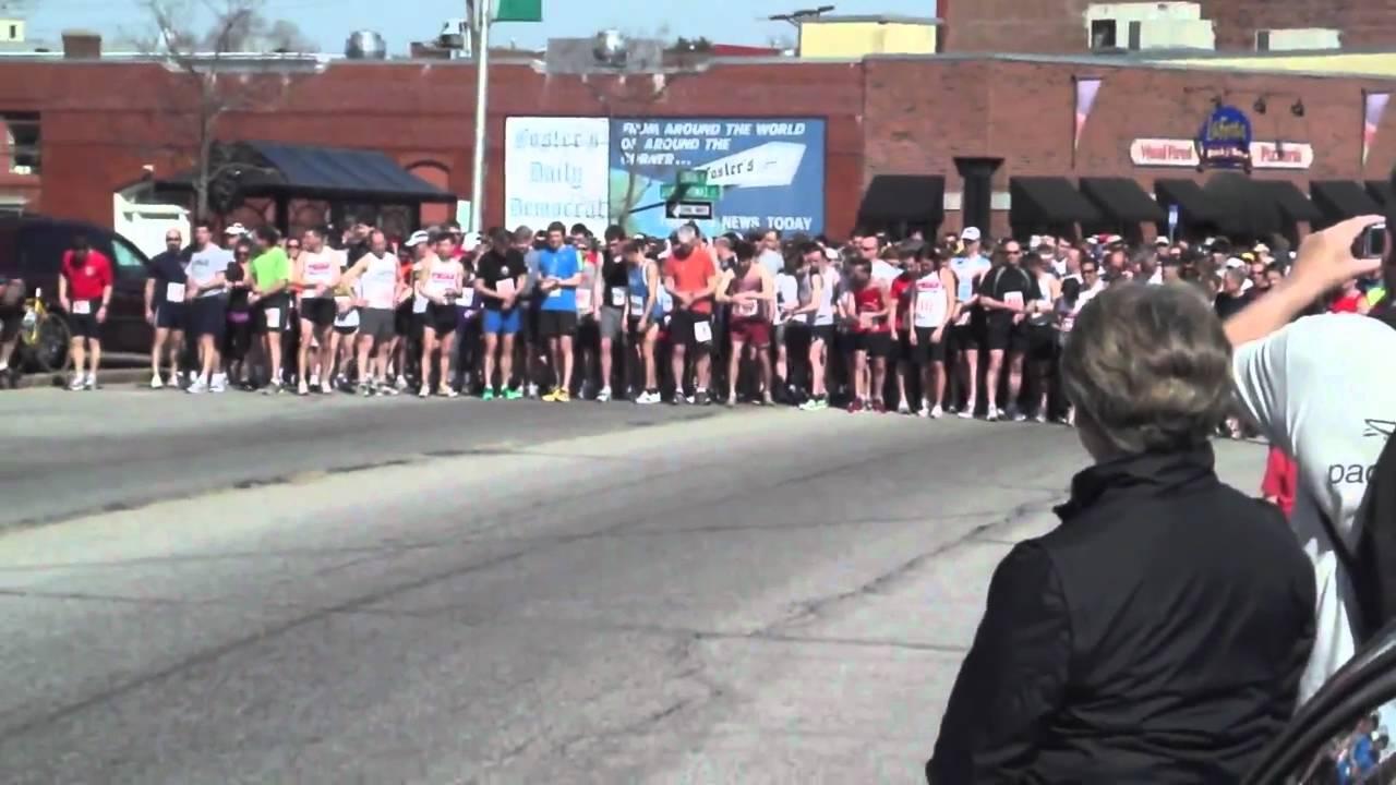 Start Of The 2011 Red S Shoe Barn 5 Miler Dover Nh Youtube