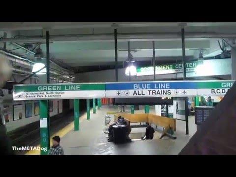 TheMBTADog: MBTA Government Center - Waiting for Green Line, with Guitar Performer (2014-02-18)