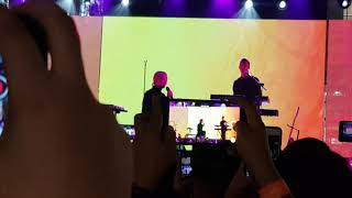 Gambar cover Crying Over You (Live) - HONNE ◑ (ft. Beka) in Manila 2019