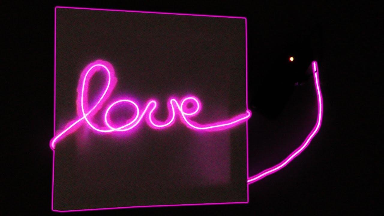 diy neon schrift in pink mega zimmerdeko selber machen. Black Bedroom Furniture Sets. Home Design Ideas