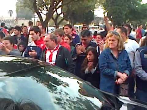Emotivos adiós: despidieron los restos de Diego Barisone en Santa Fe