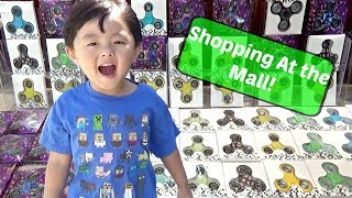 Toy Hunt & Fidget Spinner Hunt at Shopping Mall & Toys-R-Us