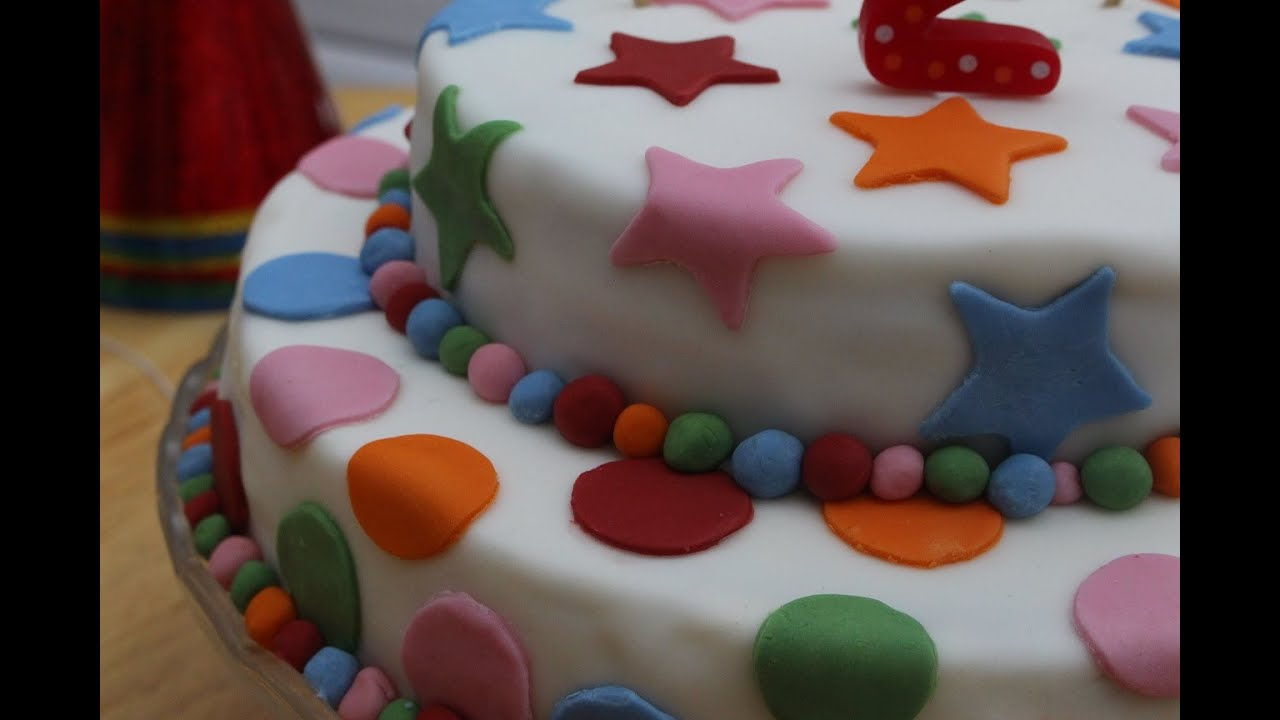 C mo hacer una tarta de cumplea os fondant f cil paso a for Como decorar unas facil