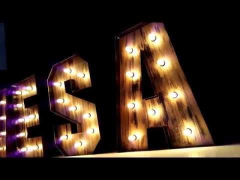 Letras vintage con luz, letras estilo vintage luminosas, letras con luces