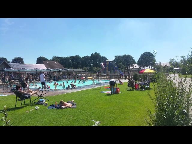 zwembad bij de flierefluiter