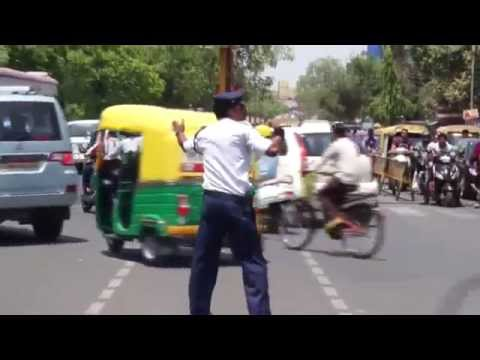 Indore 4 - Dabang Traffic Police... India Need This kind Of Officers [Kunwar Ranjeet Singh] HD
