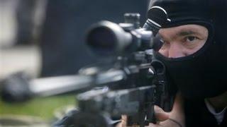 Atirador de Elite acerta Bandido com tiro preciso na Cabeça