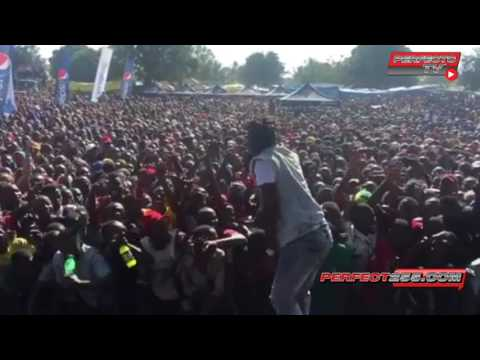 Tazama Aslay alivyowasha MOTO kwenye XXL Tour Jiwe la Mwezi Mtwara