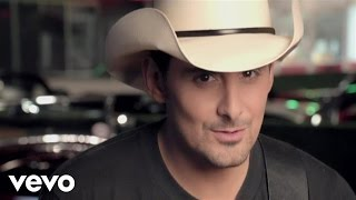 Watch Brad Paisley Old Alabama video