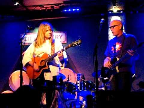 Marti Jones & Don Dixon: (If I Could) Walk Away
