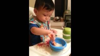 Dinner Time Fun - Kasen Loves to Dip Crackers in Jook(, 2013-09-23T04:08:38.000Z)