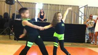 Masrukin - Awesome Mind Blowing Kid Salsa Dancers